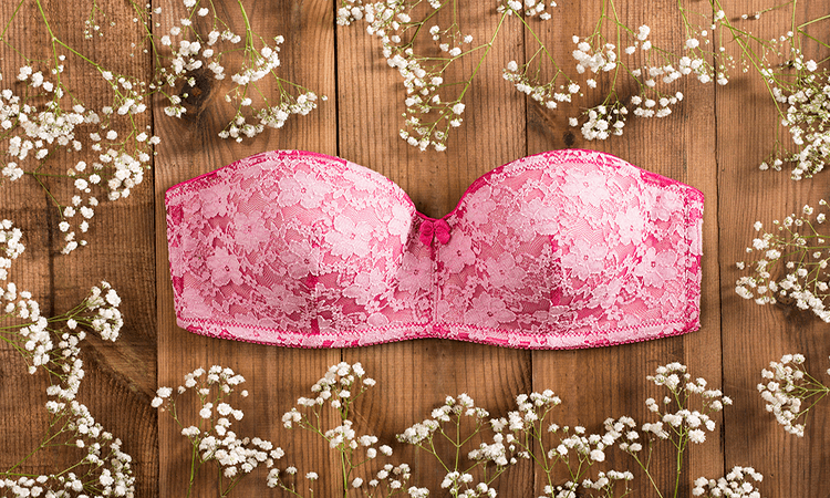 How-To-Wear-A-Strapless-Bra-Tips-And-Tricks