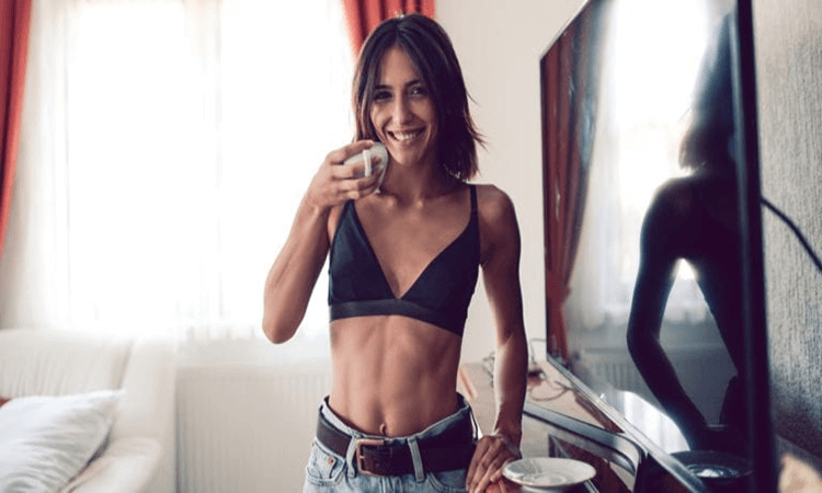 The 7 Best Non-Underwire Bras With Top Support